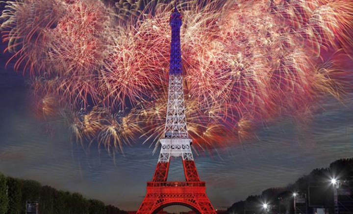 feu-artifice-paris-tour-eiffel-2014-3-720x438